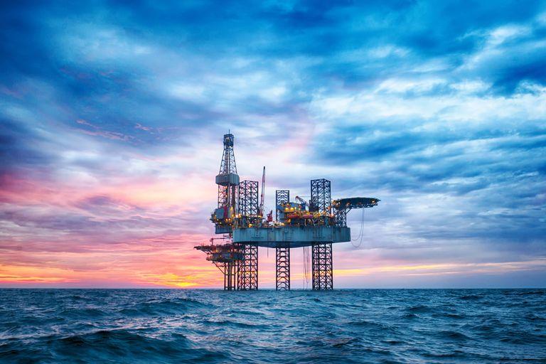 Tipos de plataformas petroleras costa afuera