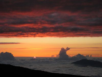clouds around Mauna Loa Observatory in Hawaii