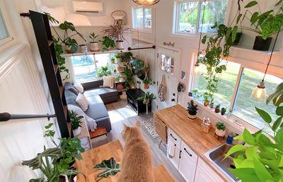 tiny house Rebekah teenytiny7 interior