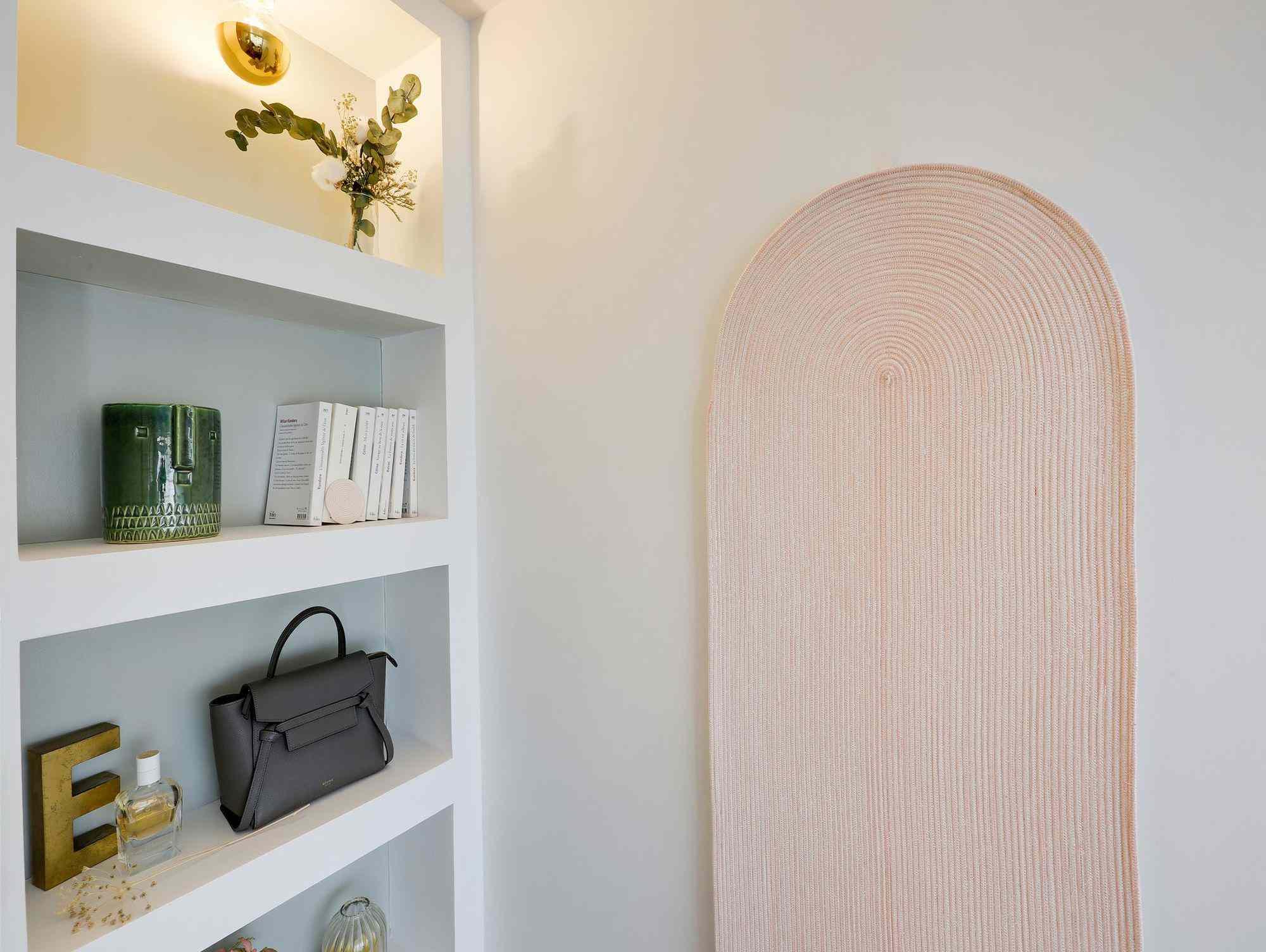 micro apartment rue falguiere renovation Studio Beau Faire pink decor