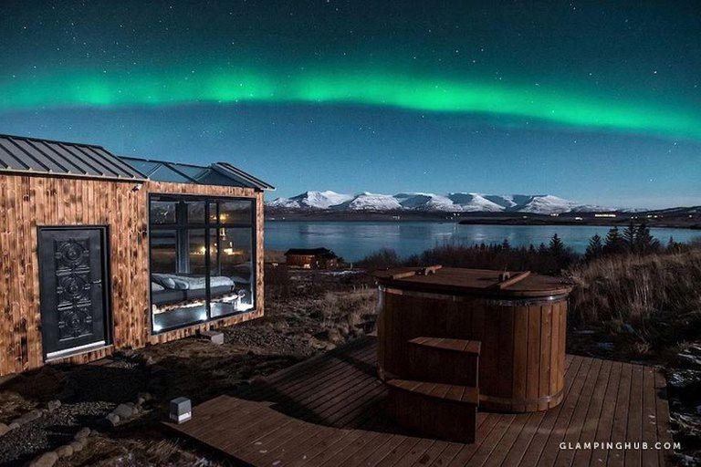 Tiny House tiene dormitorio de vidrio para ver las estrellas y la aurora boreal