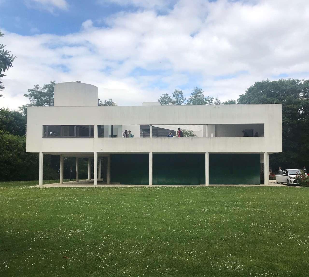 Villa Savoye on piloti