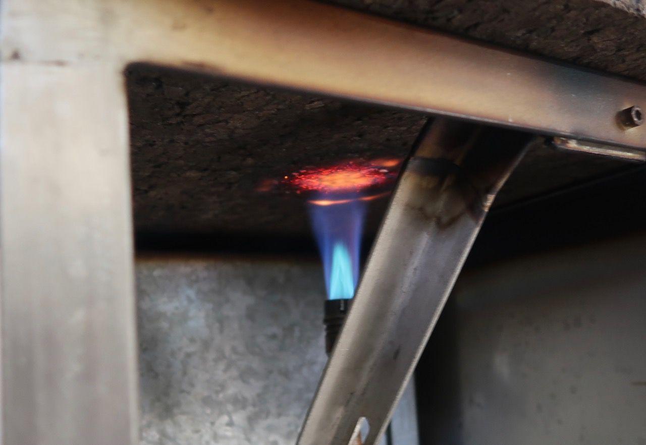 Cork doesn't burn just chars a bit.