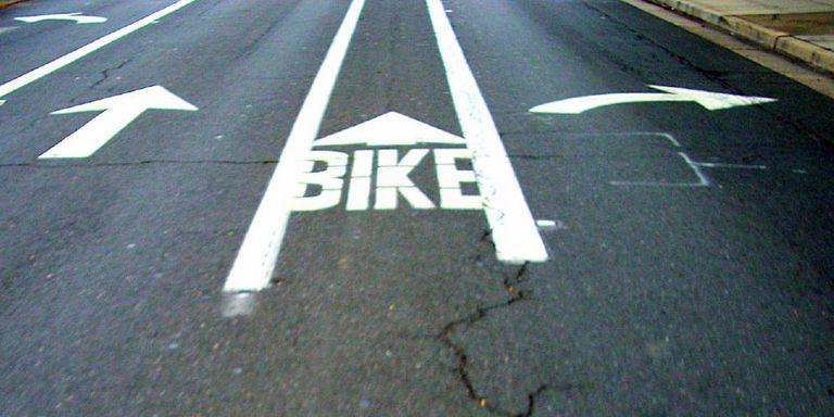 Los carriles para bicicletas ayudan a los conductores a estar seguros