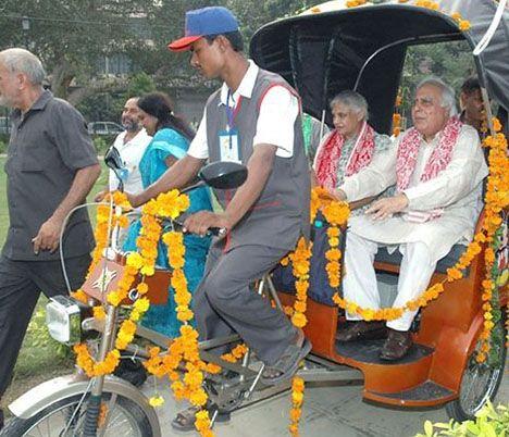 soleckshaw solar-powered electric cycle rickshaw photo