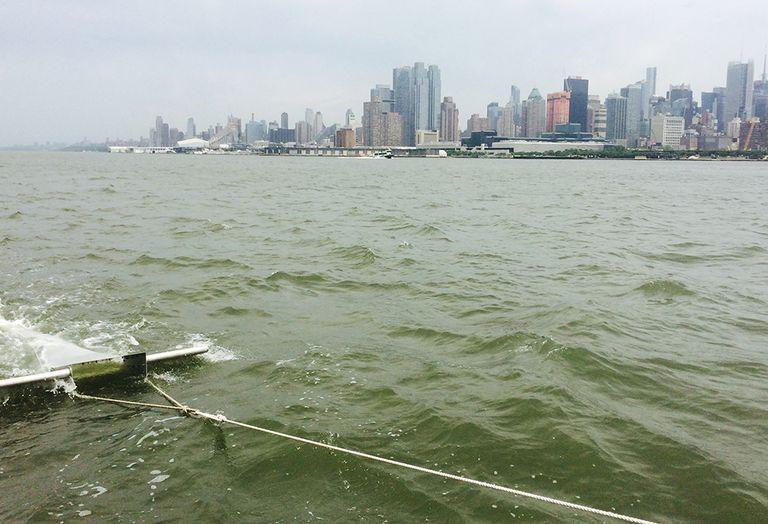 El plástico oceánico es como el smog, no una isla flotante