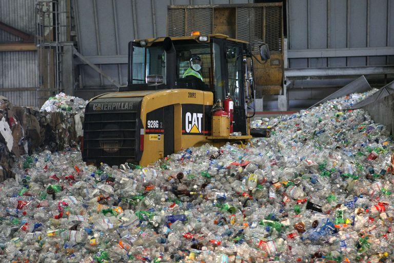 Cómo la industria del plástico está secuestrando la economía circular