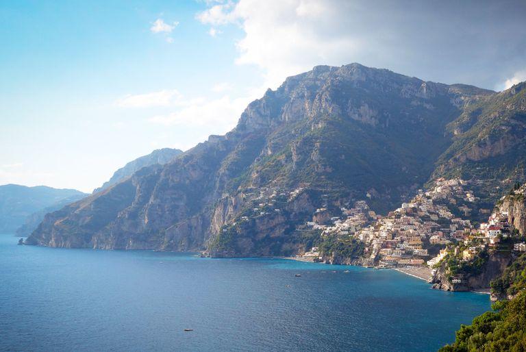 ¿El paisaje de 'Mujer Maravilla' que te dejó sin aliento? Esa es la costa italiana de Amalfi