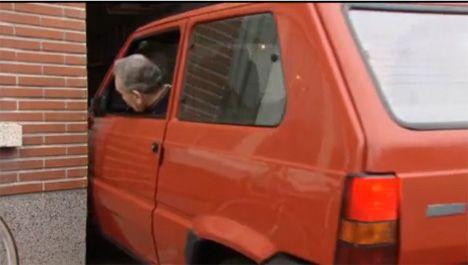 garage parking job image