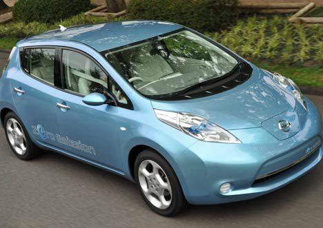 Nissan Leaf electric car photo