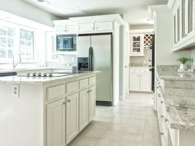 Clean modern, stylish kitchen