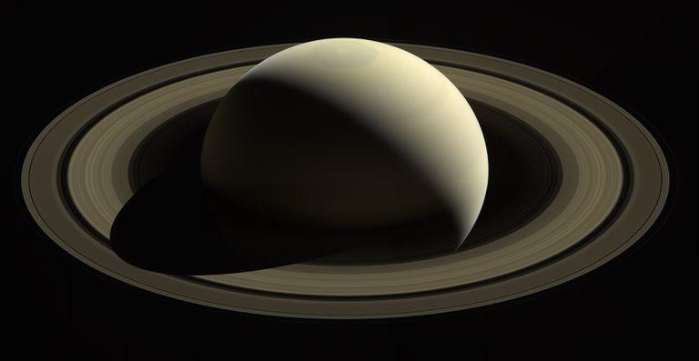 Saturn space image