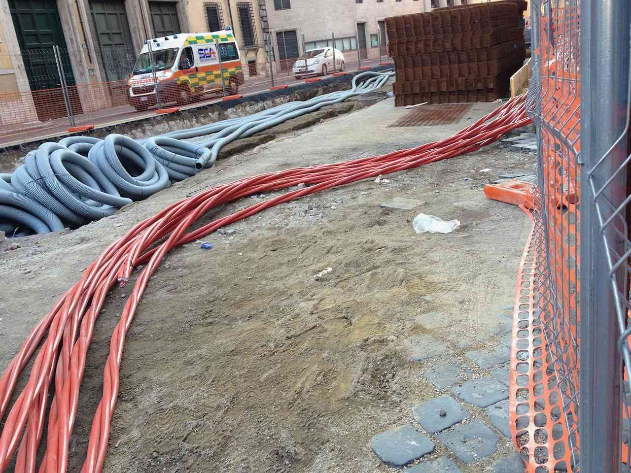 Installing underground electrical wiring in Rome