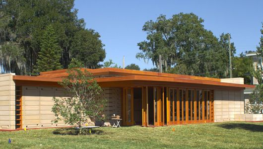 Después de 74 años de espera, la casa usoniana diseñada por Wright está completa en el sur de Florida