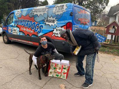 W-Underdogs founder Gracie Hamlin, Keith Walker, and his dog Bravo.