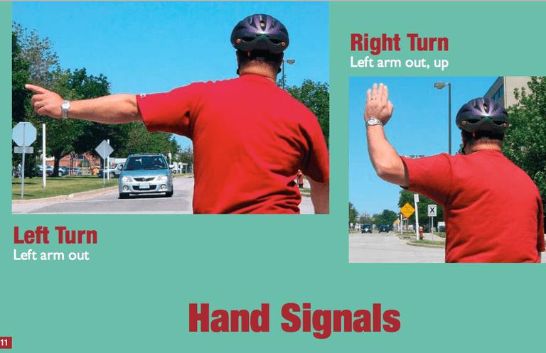 ¿Cómo se señalan los giros a la derecha en su bicicleta?
