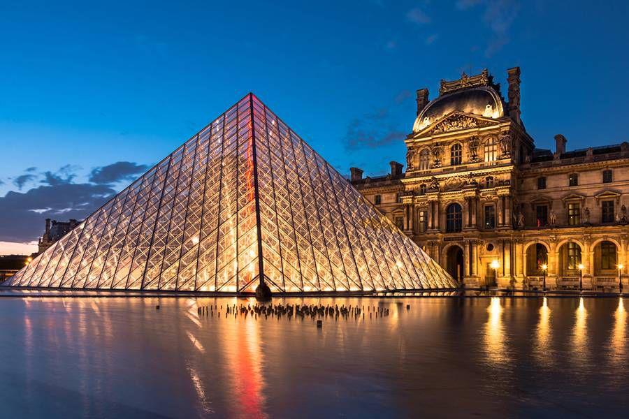 Blue Hour: the Louvre, Paris, France
