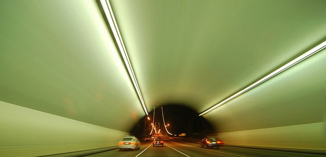 Conduce a través de estos 10 tremendos túneles