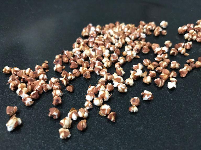 Popped buckwheat