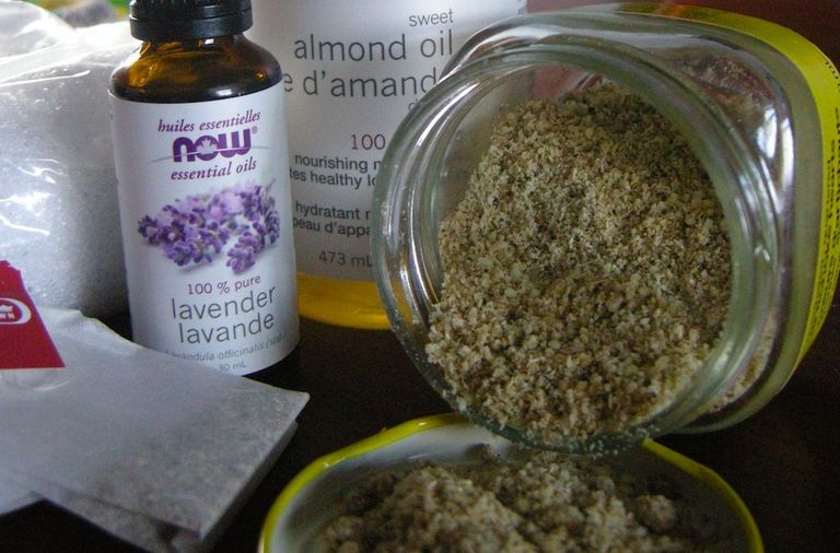 Ingredients for a homemade oatmeal facial scrub.
