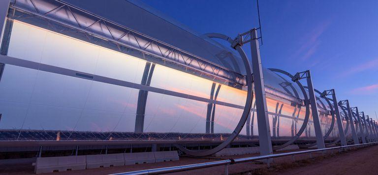 Esta planta de energía solar concentrada es totalmente tubular y se transporta fácilmente