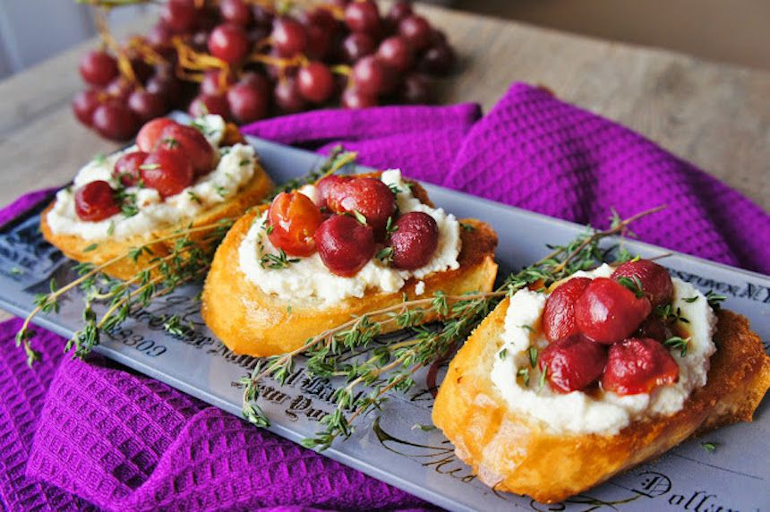 Roasted grapes crostini