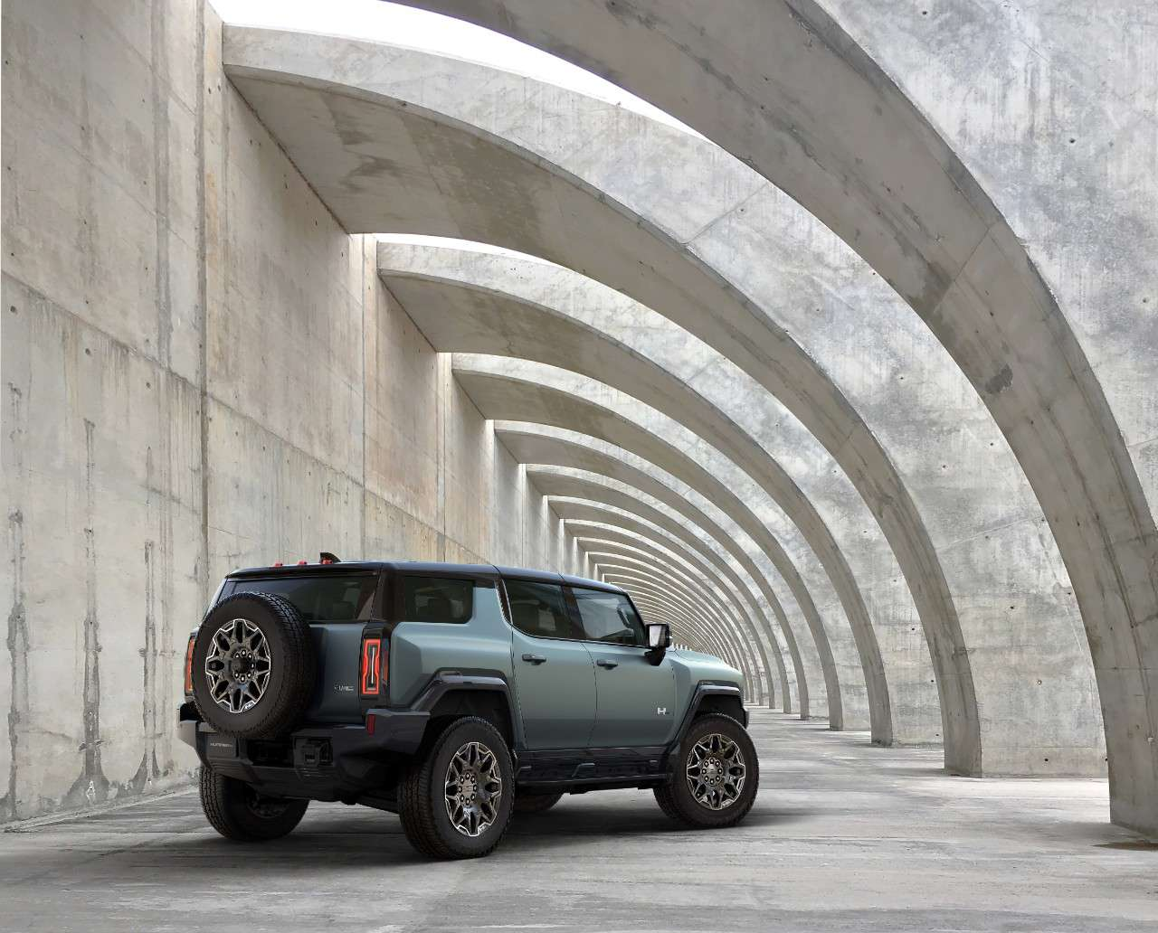 Hummer in concrete