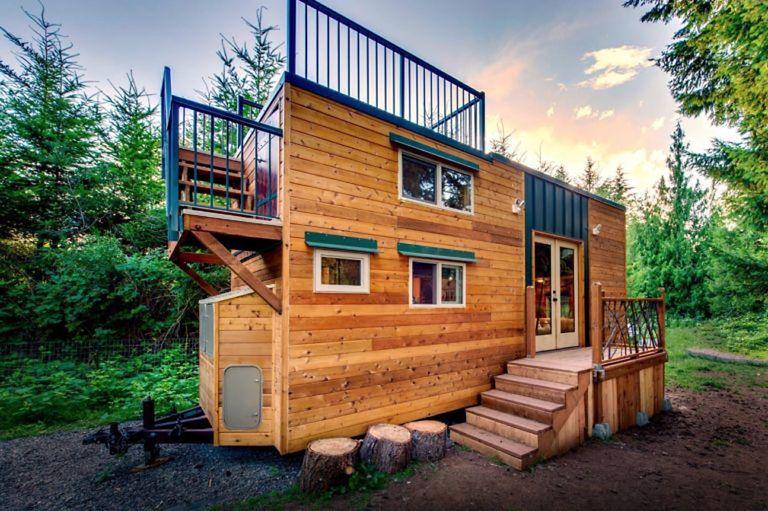 Basecamp Tiny Home tiene una enorme terraza en el techo construida para escaladores