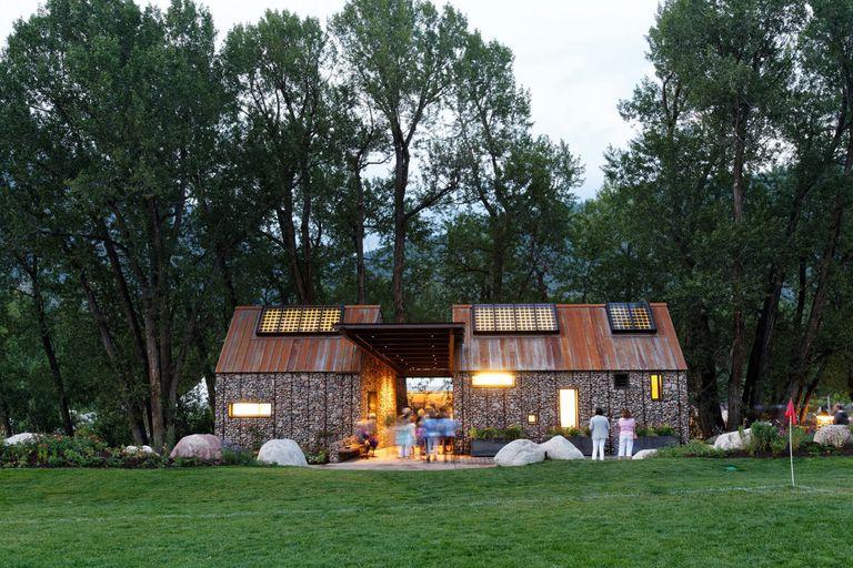 Baños fabulosos construidos en Aspen por Charles Cunniffe Architects