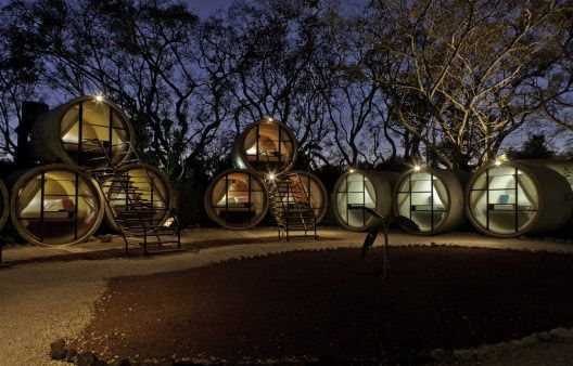 Tubohotel: Tubería de hormigón reciclada en un hotel asequible