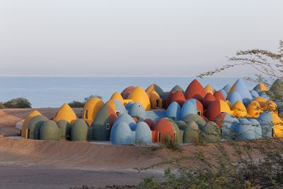 presence hormuz iran superabode earthbag domes ZAV Architects
