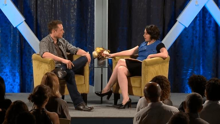 Entrevista de 1 hora con Elon Musk: Tesla, SolarCity, Electric Planes, 'Fool Cells' y mucho más ...