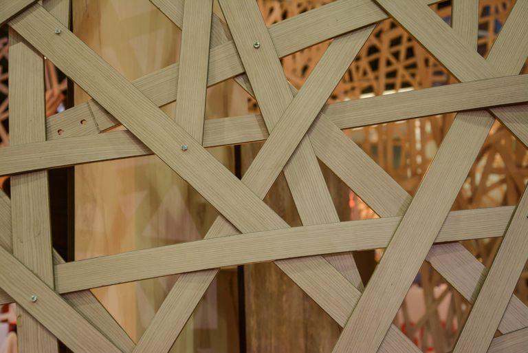 Bamboo truss criss-cross structure