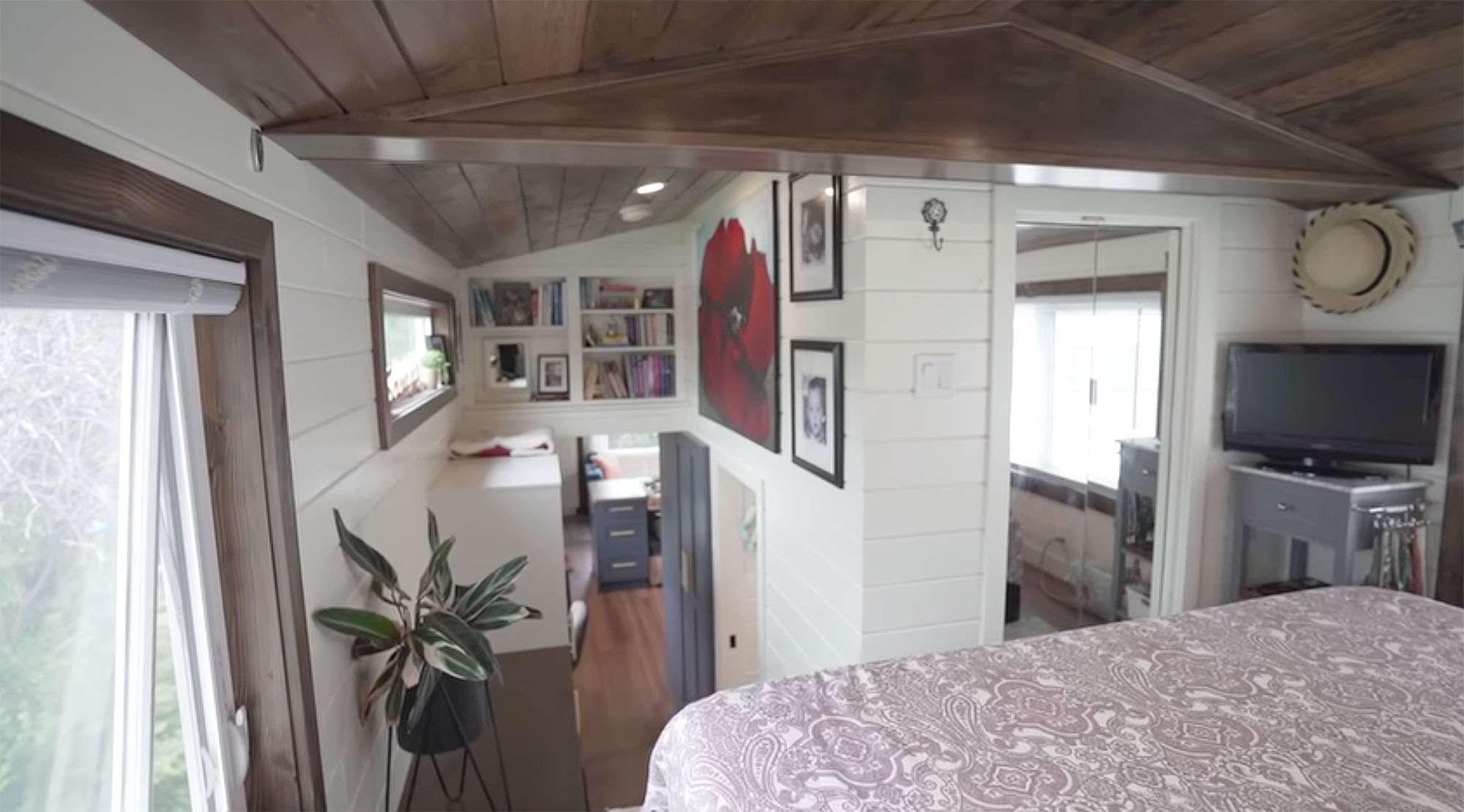 Serendipity tiny house bedroom closet