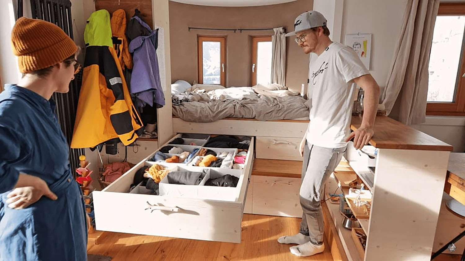 Hallo Holger tiny house long drawers under bed