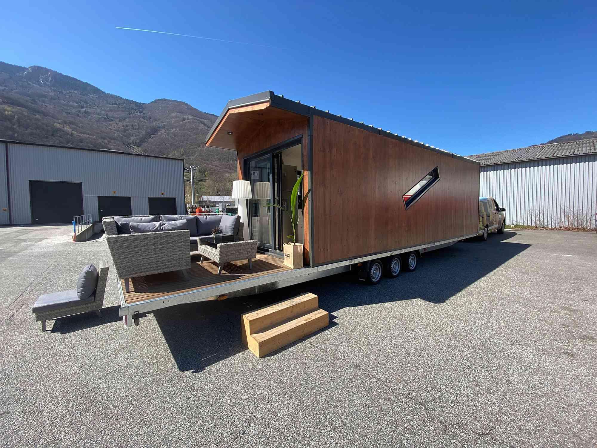 Dejessi tiny house by Tiny House Tarentaise exterior