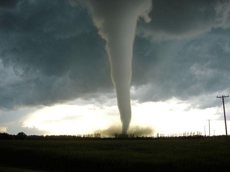 ¿Qué causa los tornados?