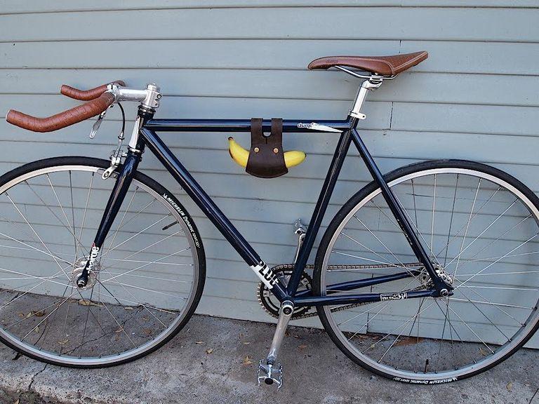 El soporte de banana Biken es el accesorio de ciclismo imprescindible