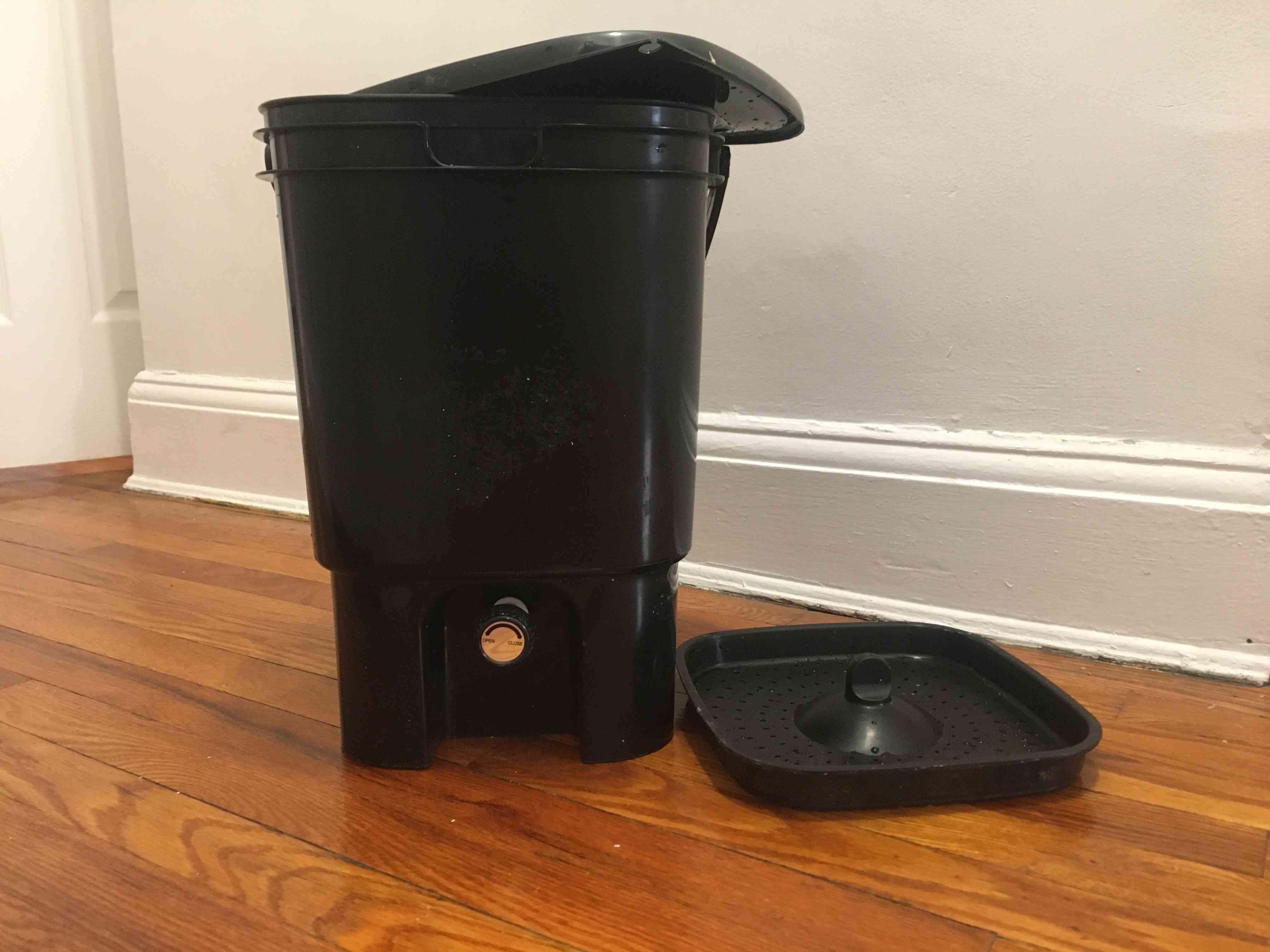 Bokashi Bucket with tray removed