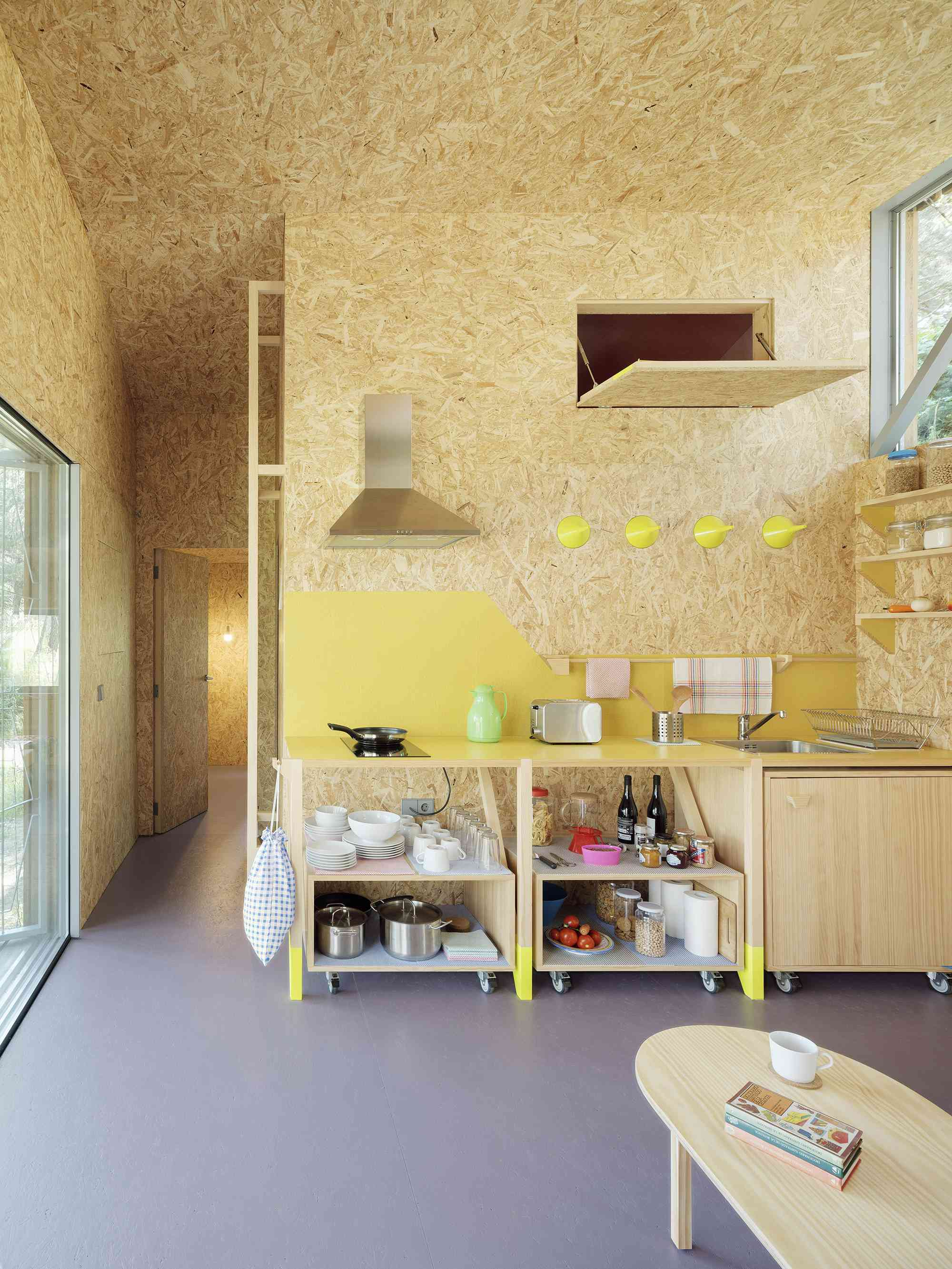 (Synanthro)Love Shack, (Tele)Working Abode by Husos Architects kitchen