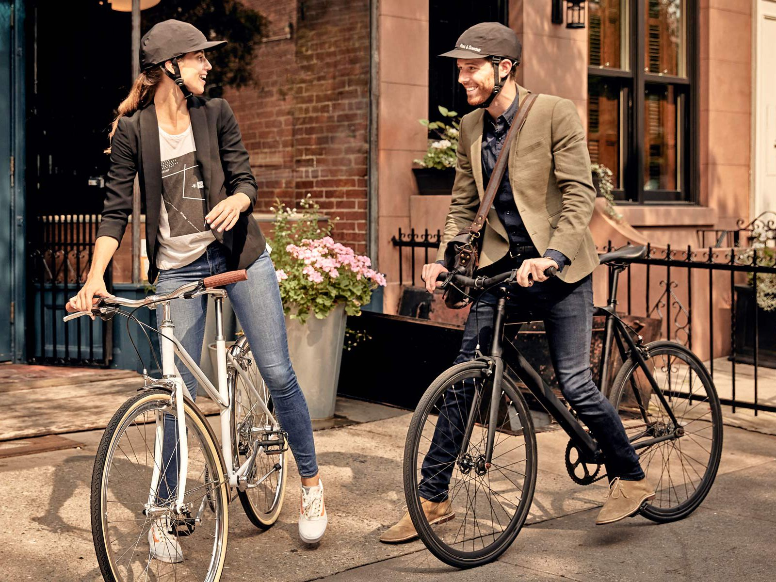 Park & Diamond Bike Helmet Looks Like a Baseball Cap and Folds