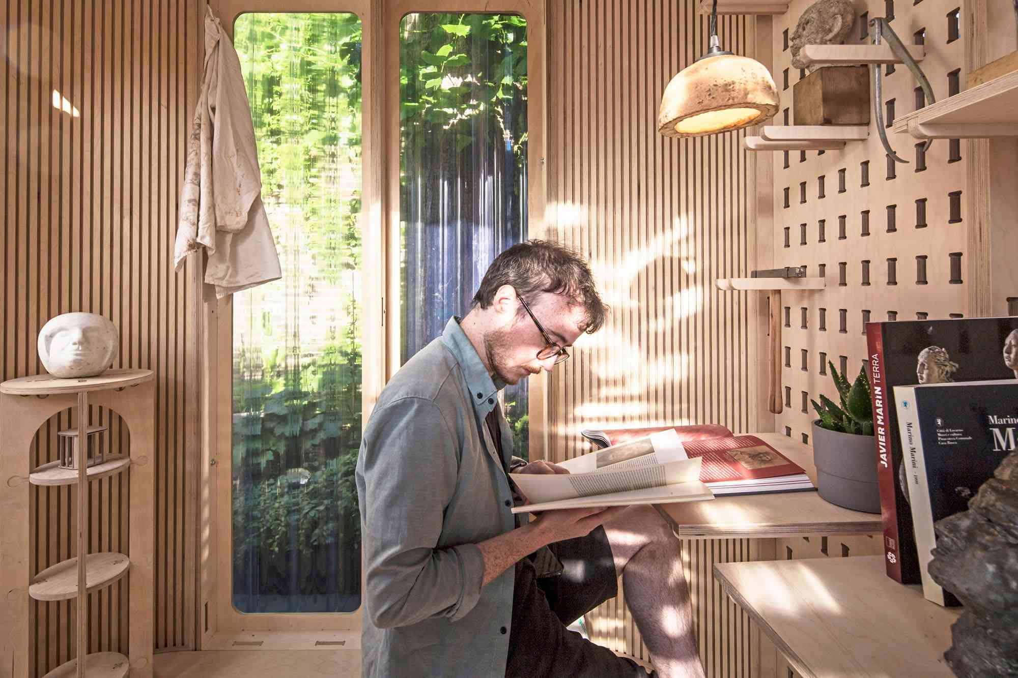 My Room In The Garden prefab home office module Boano Prišmontas interior work space made of wood