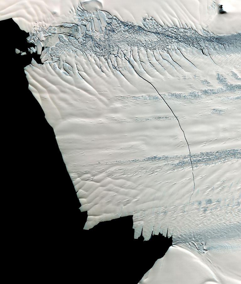 Iceberg más de 5 veces el tamaño de Manhattan se separa de la Antártida