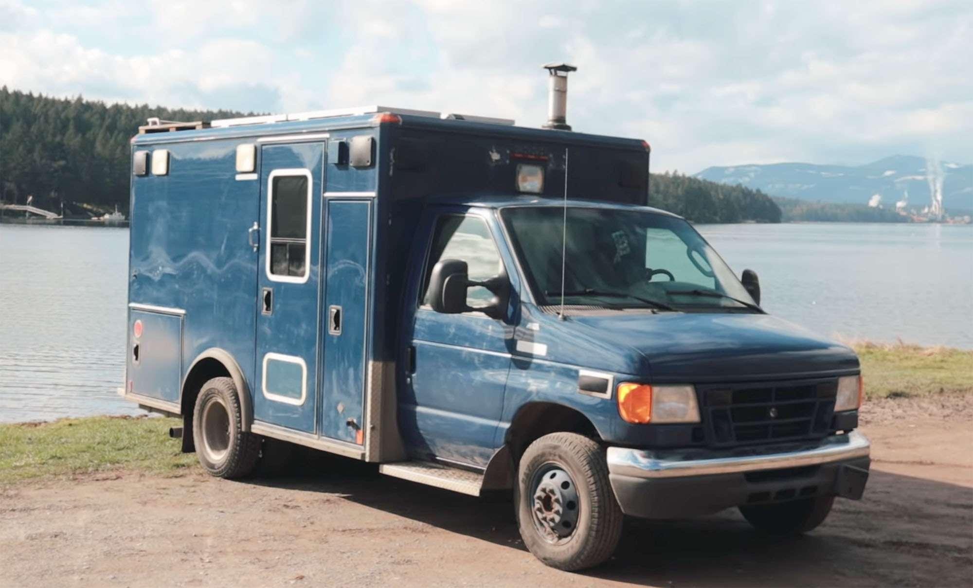 ambulance conversion Amanda Lemay exterior