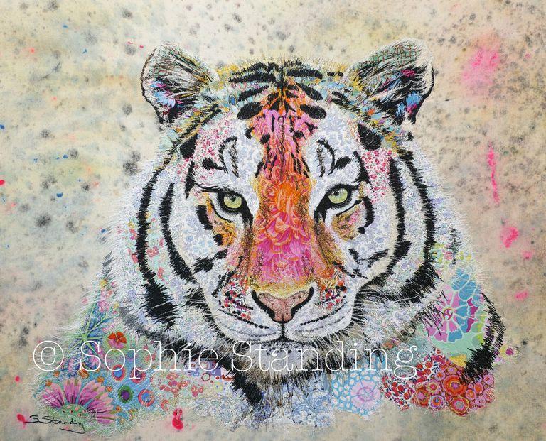 Armado con una aguja e hilo, el artista crea encantadores tapices de la fauna africana