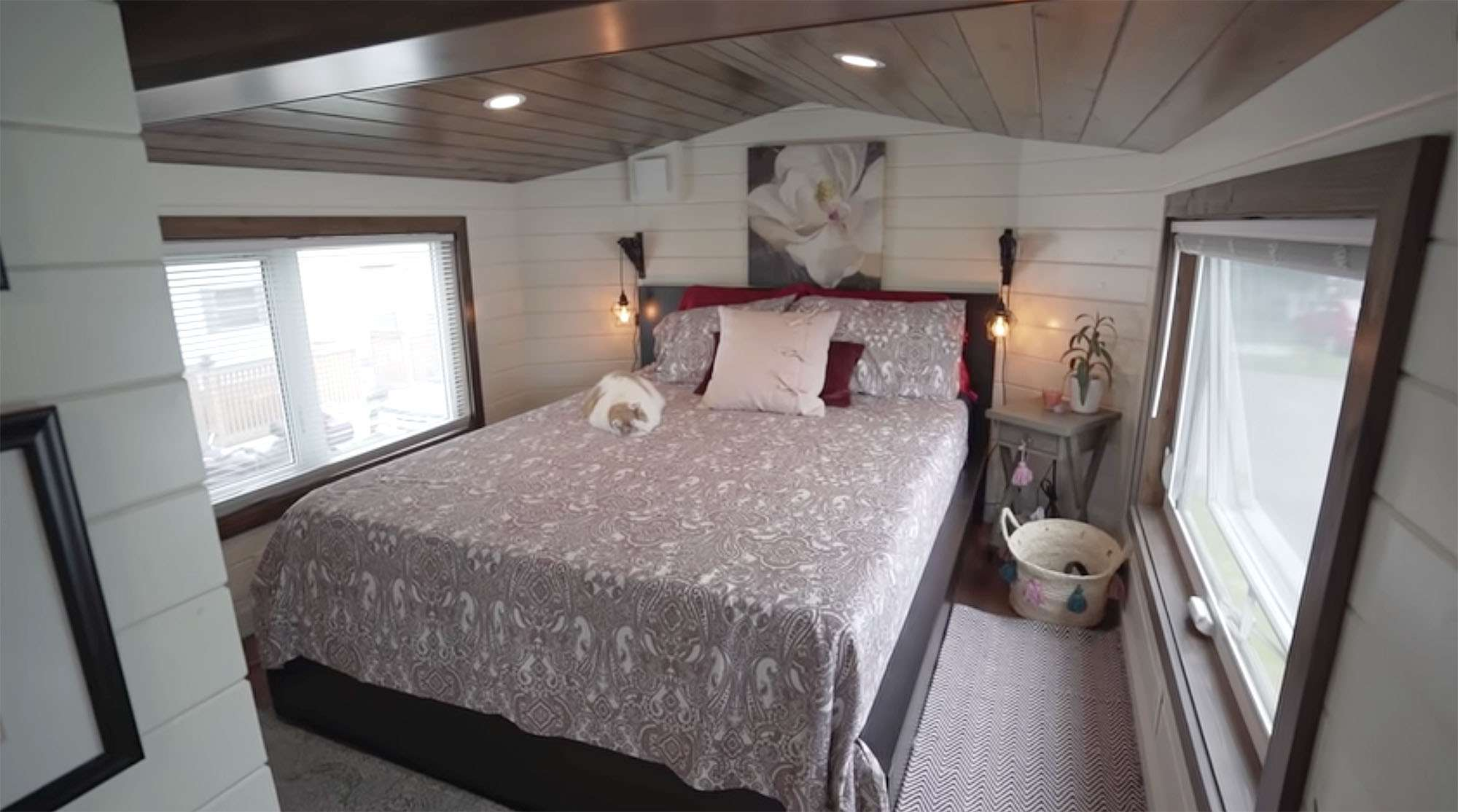 Serendipity tiny house bedroom