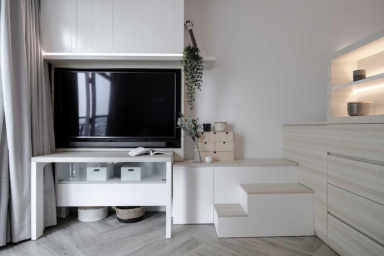 Quiet Apartment Co+in Collaborative Lab television
