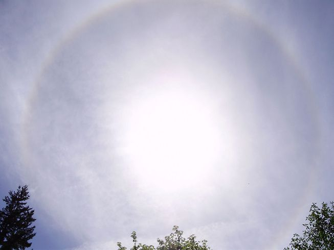 Cirrostratus have a way of making themselves known.