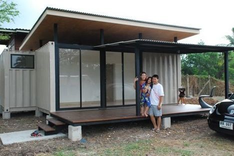 site-specific two container house family photo