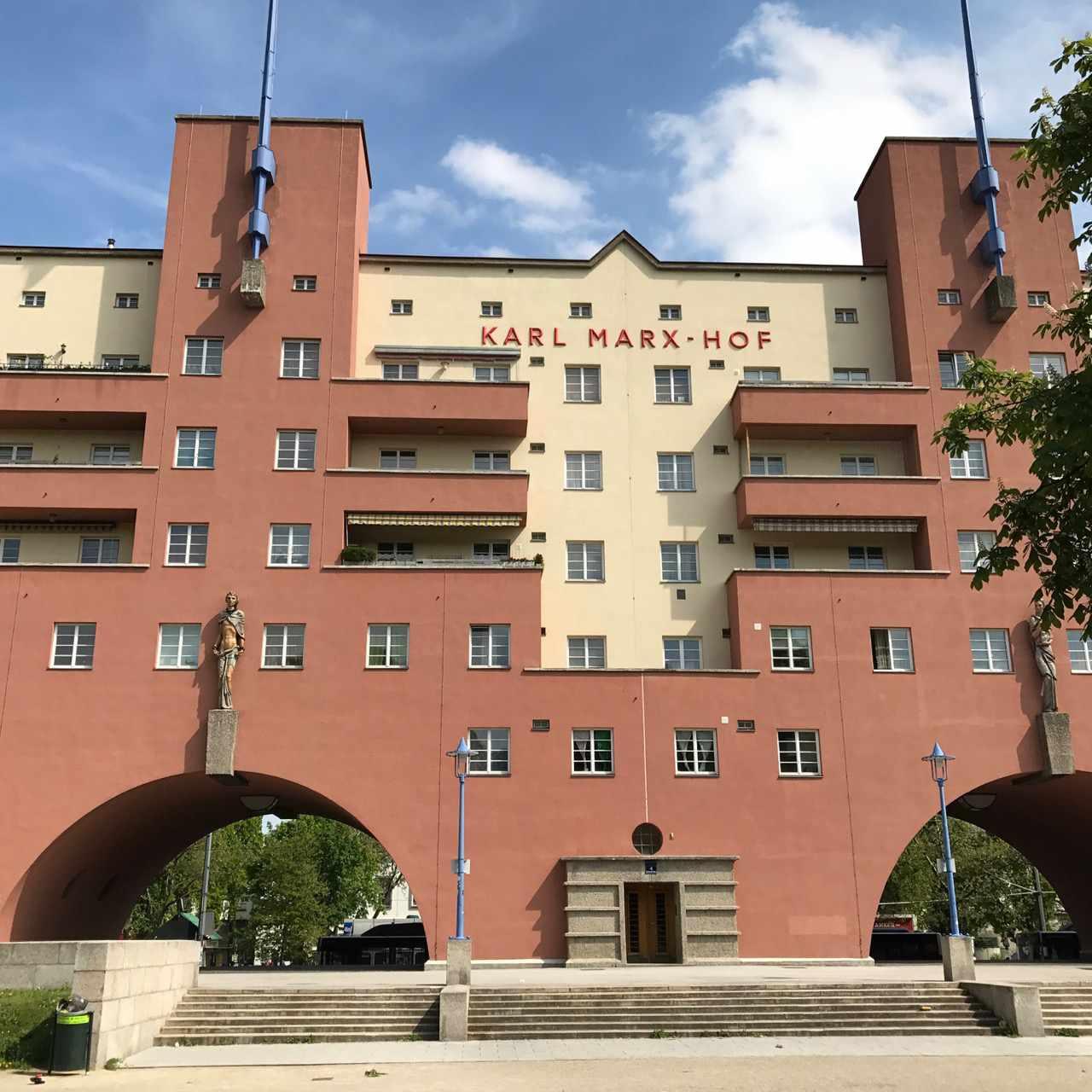 Karl Marx Hof building